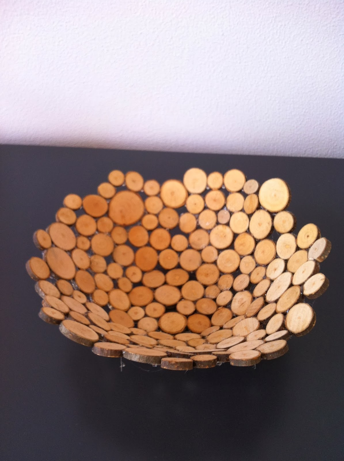 Knutsel een schaal van houtplakjes duurzaam houten speelgoed - Hoe een kleine woonkamer te voorzien ...