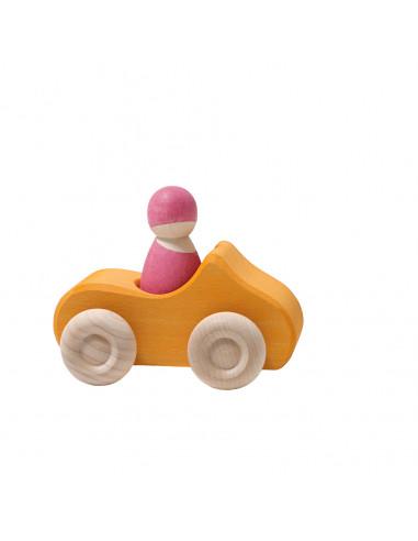 Auto met bestuurder oranje