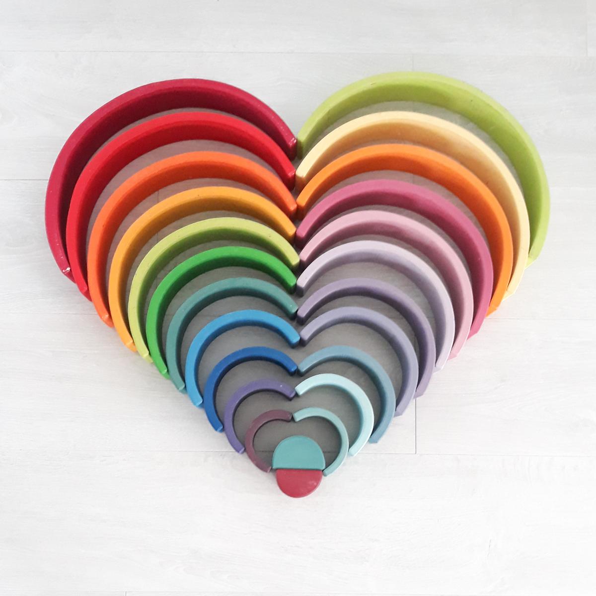 houten regenboog voorbeeld liefde
