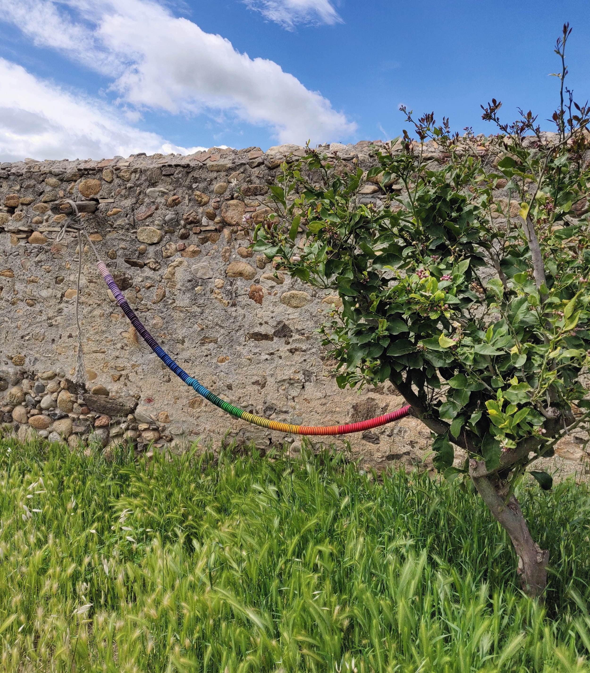 grapat slinger in de tuin