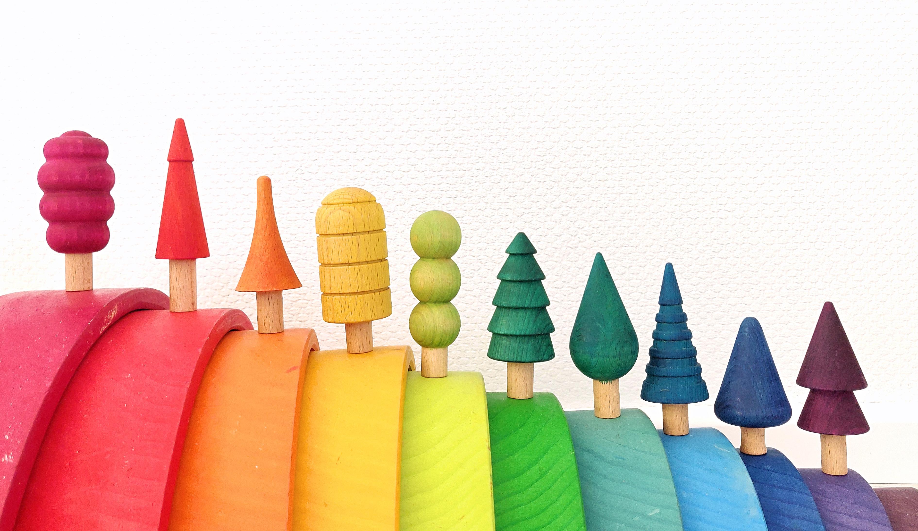 bomen schilderen regenboog kleuren