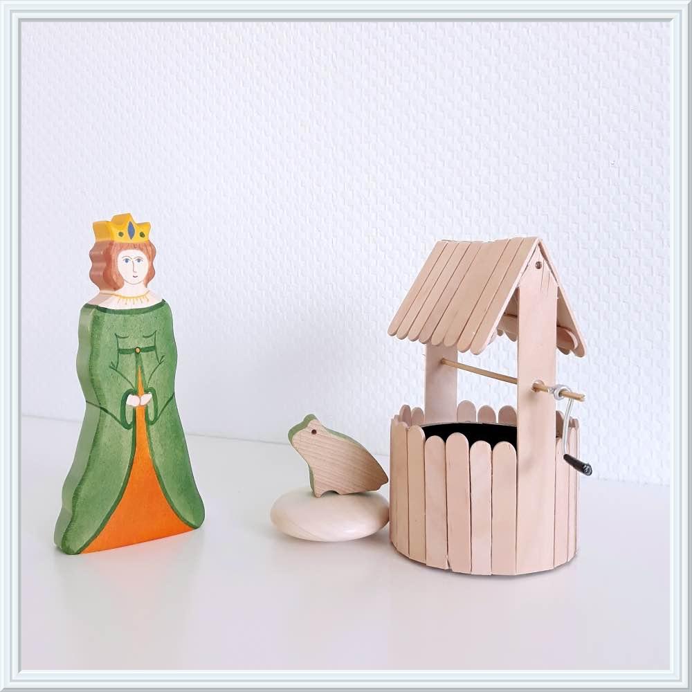 sprookjes met houten speelgoed, kikkerkoning