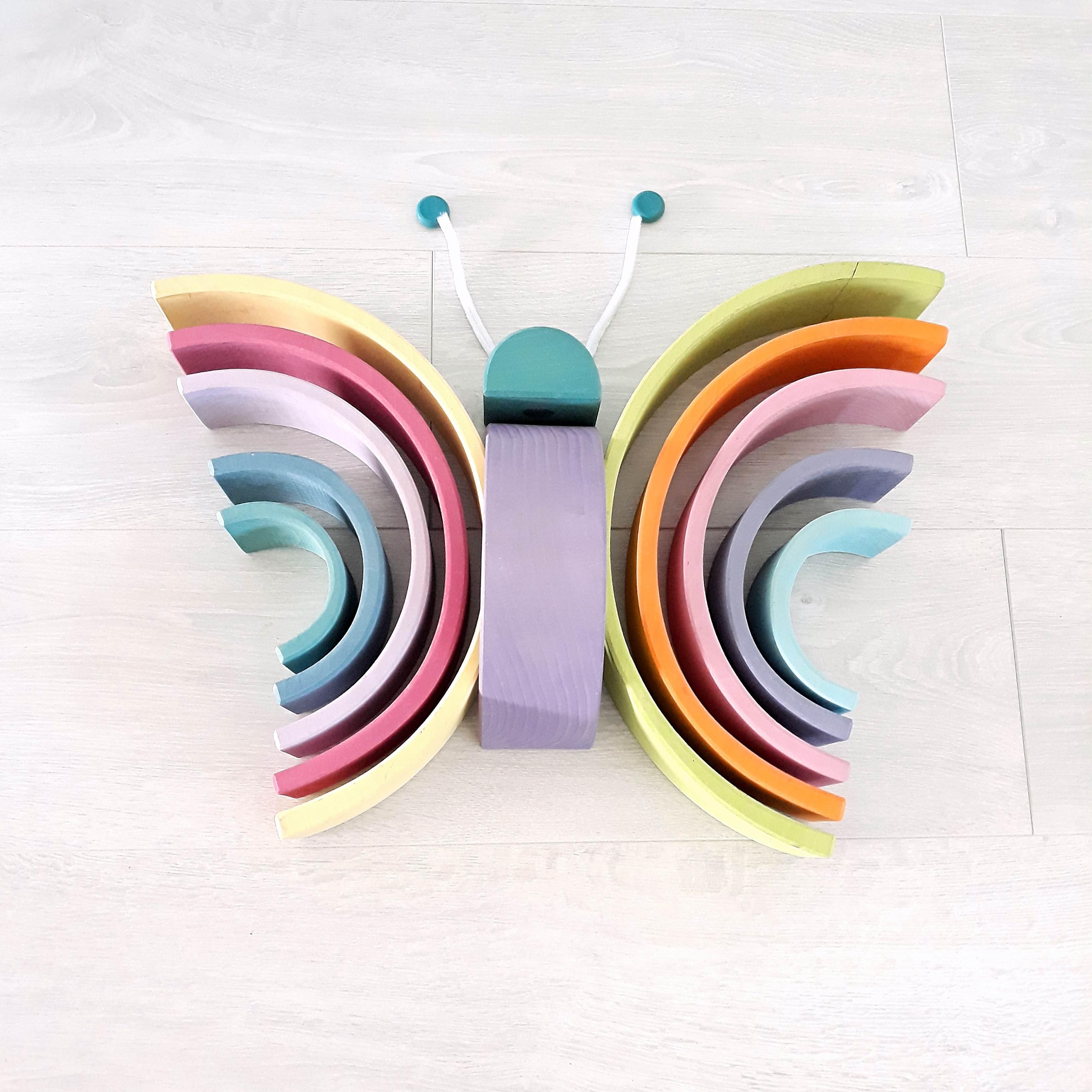 houten regenboog voorbeeld vlinder