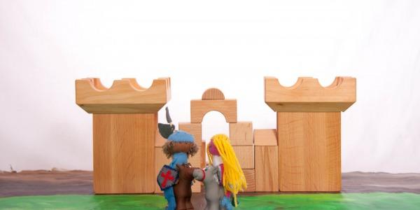 Inspiratie blog 5 duurzaam houten speelgoed - Kamer buffet heeft houten eet ...